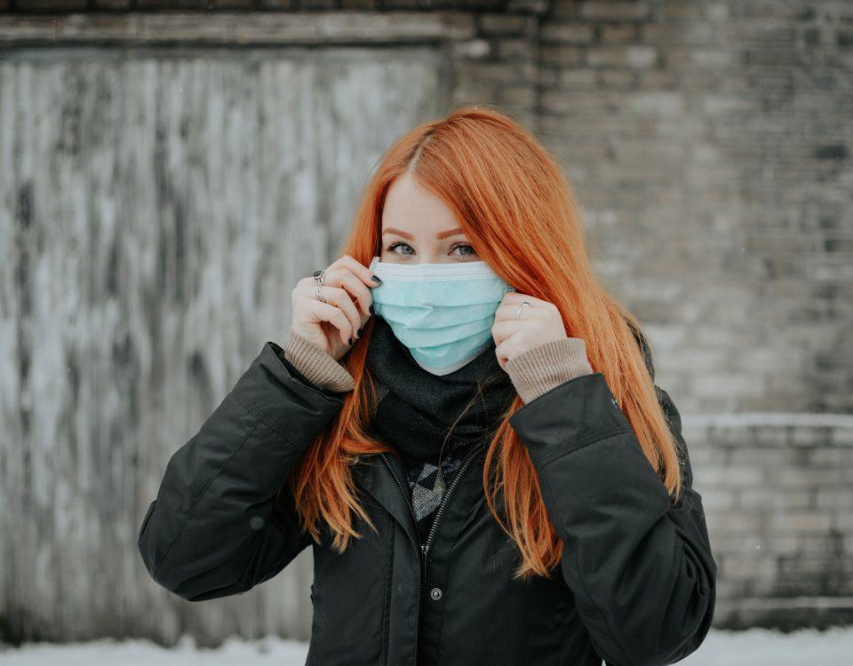 Maskne o dermatite da mascherina: cos'è e come prevenirla