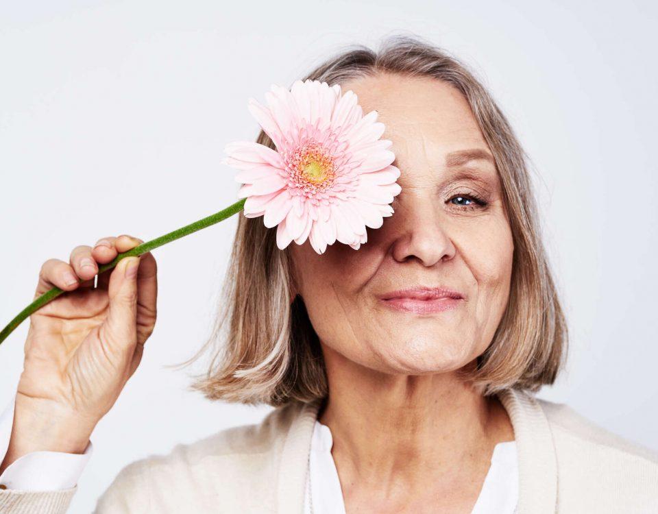 Vivi serenamente la menopausa e previeni l'osteoporosi